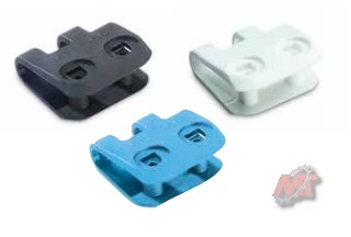plastic-rivet2